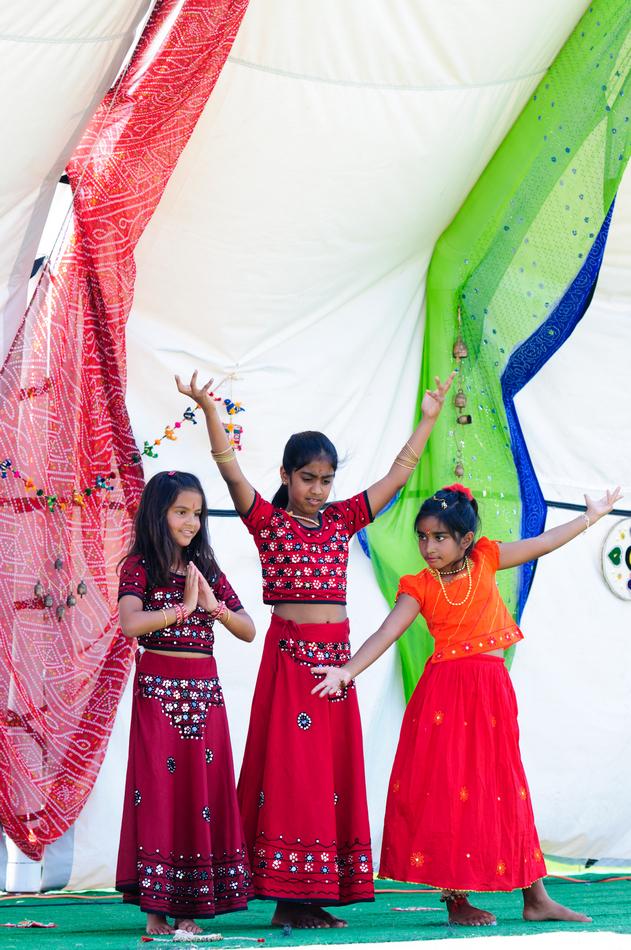 lr_india_fair_2012-028_7571356678
