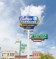 old town saginaw neon signs-001