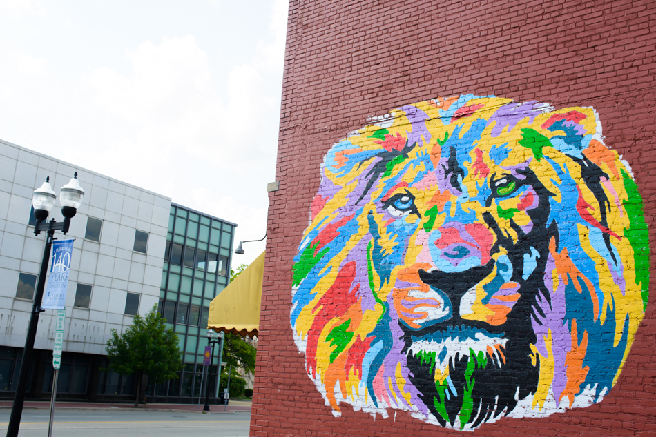 saginaw lion mural painting-001