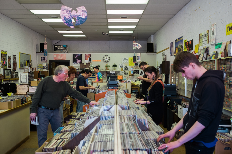 record store day saginaw mi -014